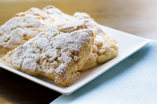 lemonCreamScones